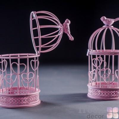 Розовая клетка-подсвечник