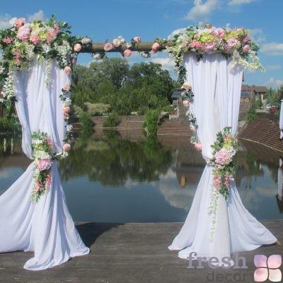 арка из дерева на свадьбу