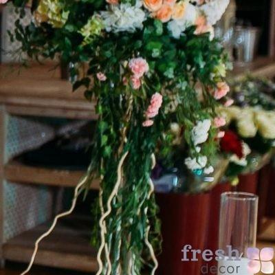 кованая маленькая подставка для цветов