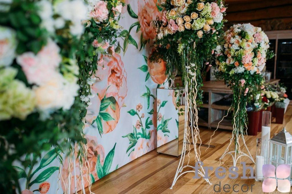 панно для свадьбы за молодоженами