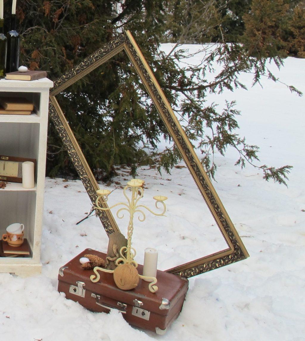 рамка золотая деревянная в аренду 1