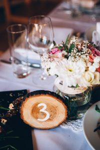 dekor-stola-v-stile-rustik