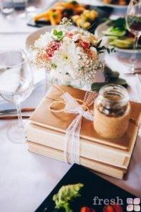 oformlenie-gostevykh-stolov