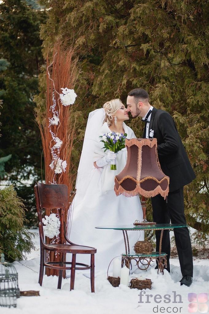 ретро стулья для оформления свадеб