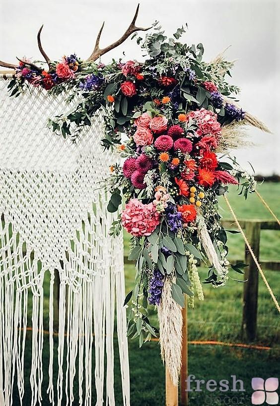 22 42 45 makrame wedding decor 05