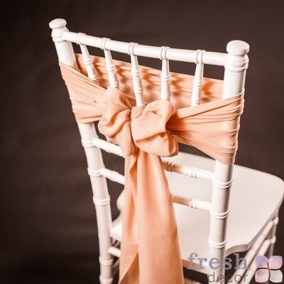 бант на стул бежевого цвета