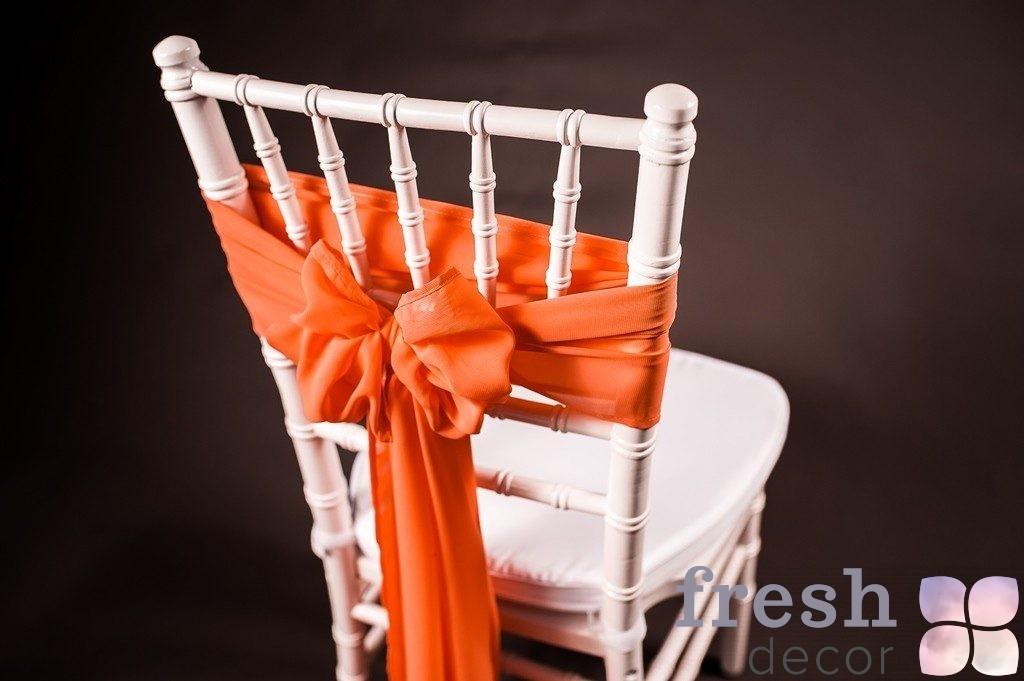 бант на стул оранжевого цвета