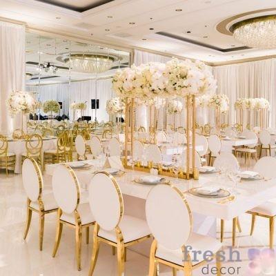 Стул золотой в аренду можно заказать в нашей студии декора в любо время добавив необходимое количество стульев в корзину.