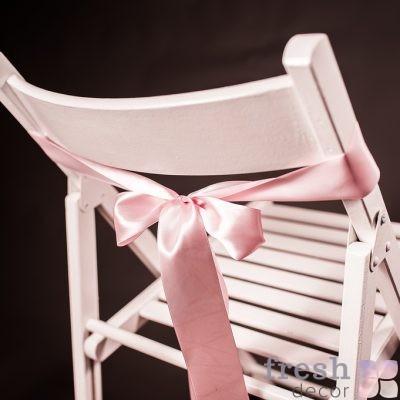 лента на стул розового цвета