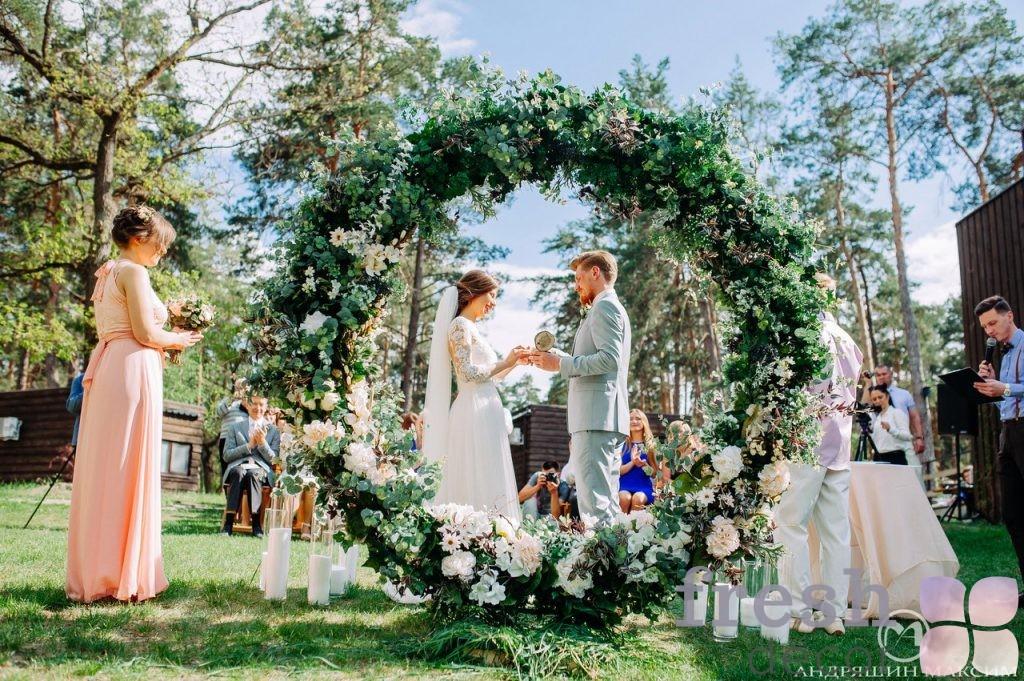 арка в виде кольца 1