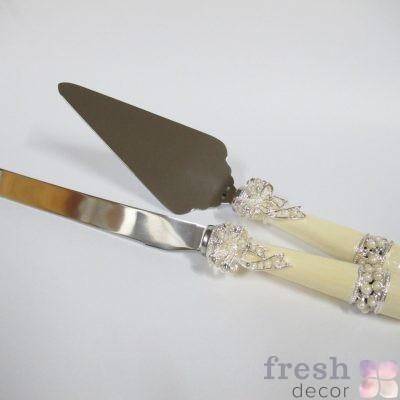 нож и лопатка для разрезания торта