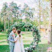 свадебная арка в виде кольца в прокат