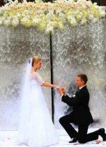 Арка для свадьбы со стекающей водой по стеклу в аренду