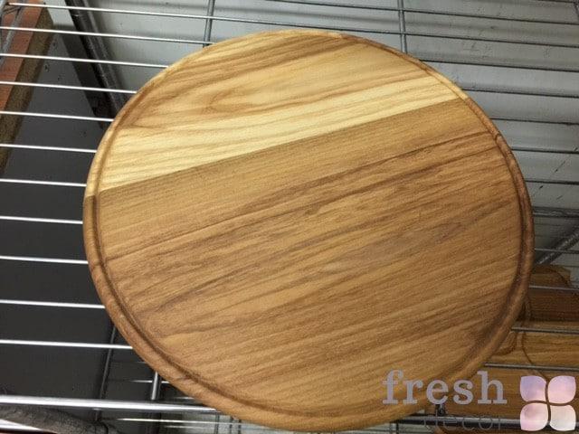 круглая доска из дерева для фуршета и подставки для еды