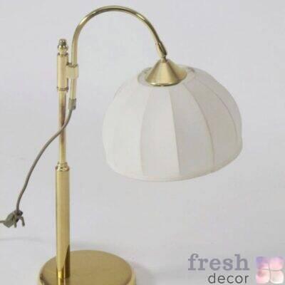 nastolnaya retro lampa latunnaya s torsherom iz beloj tkani