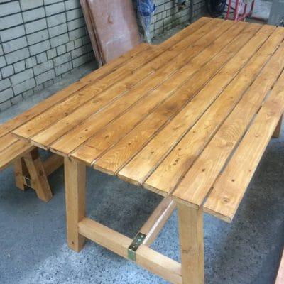 стол из дерева прокат