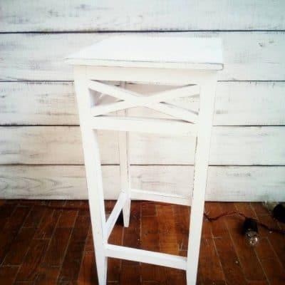 белая маленькая тумба столик для кенди бара аренда