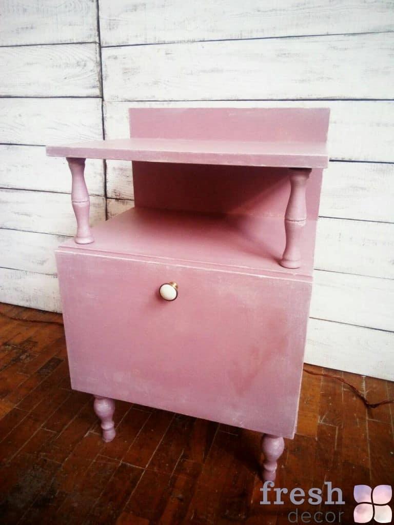 розовая тумбочка