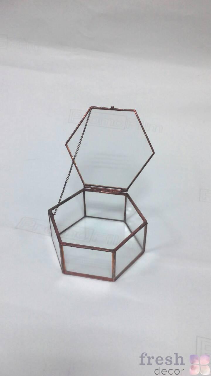 плоская шестиугольная коробочка для колец и мелких подарков в аренду
