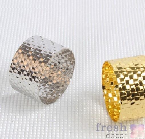 Кольцо для салфеток отчеканенное серебряное сплошное