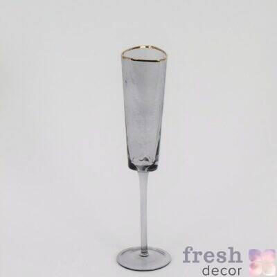 dymchato serye bokaly dlya vina s zolotym kraem dlya shampanskogo i vina