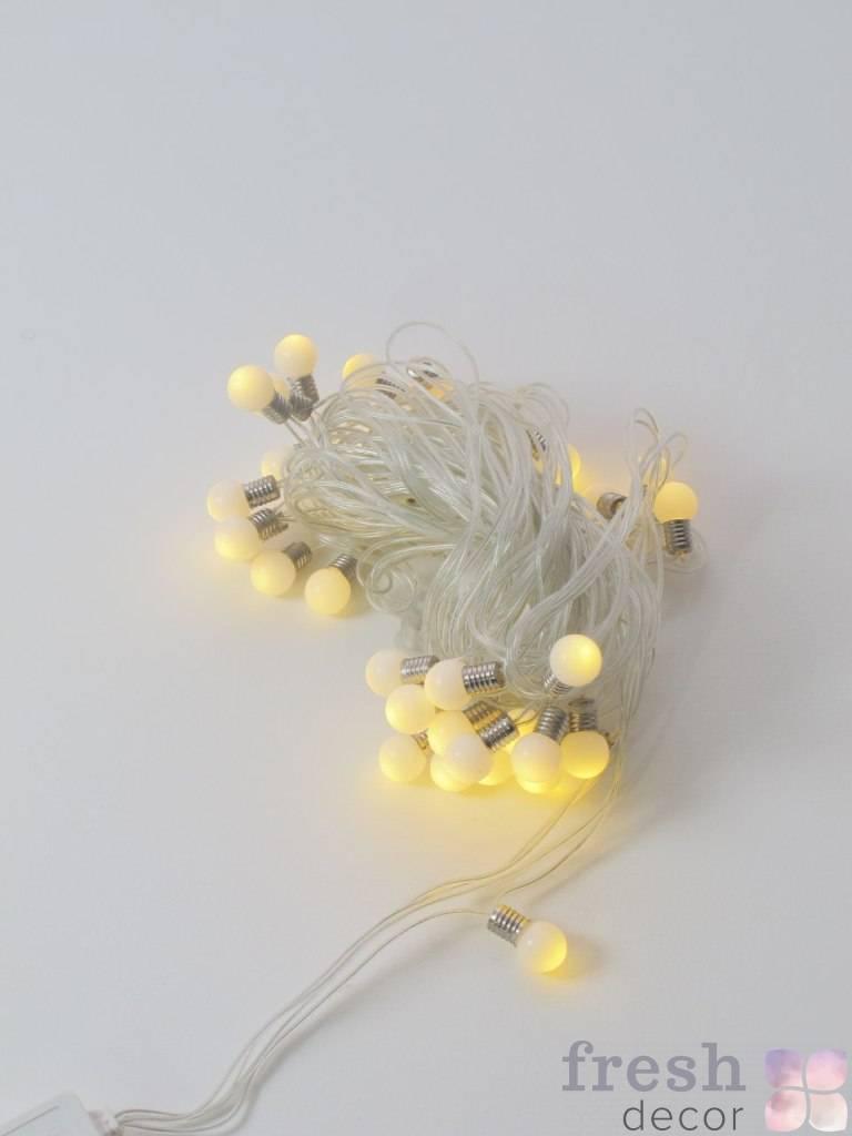 girlyanda svetodiodnaya s malenkimi 2 sm lampami teplogo svecheniya