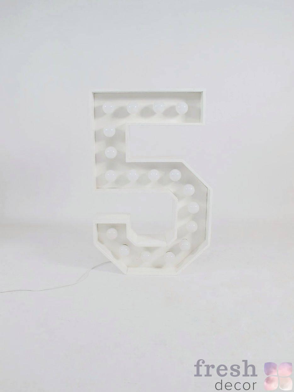 belaya cifra 5 s lampochkami v arendu