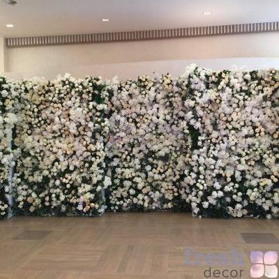 cvetochnaya stena iz iskustvennyx cvetov v arendu