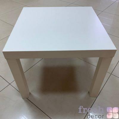 столик журнальный молочного цвета