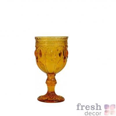 bokal dlya vina oranzhevogo cveta s ornamentom