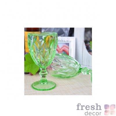 bokal dlya vina zelenogo cveta s krupnymi granyami 1
