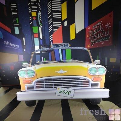 fotozona zelenoglazoe taksi