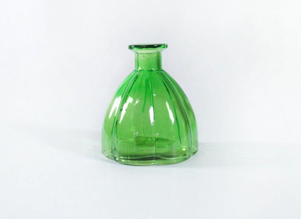 vazochki zelenogo cveta