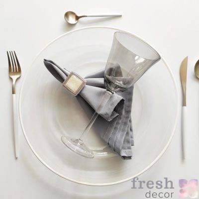 dizajnerskij nabor dlya servirovki stola prozrachnyj