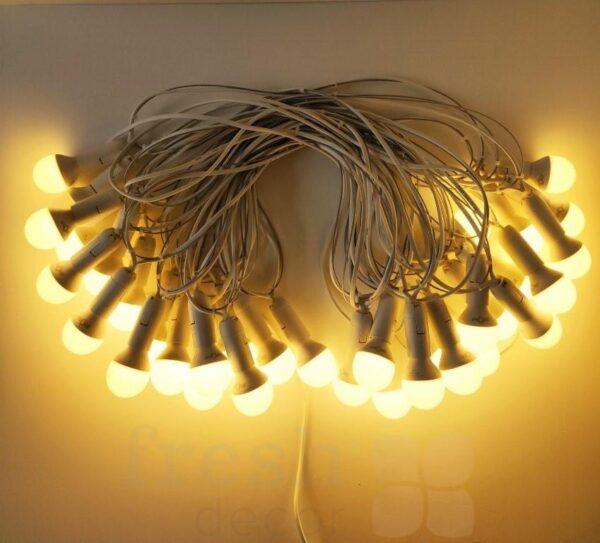 girljanda so svetodiodnymi lampami teplogo sveta