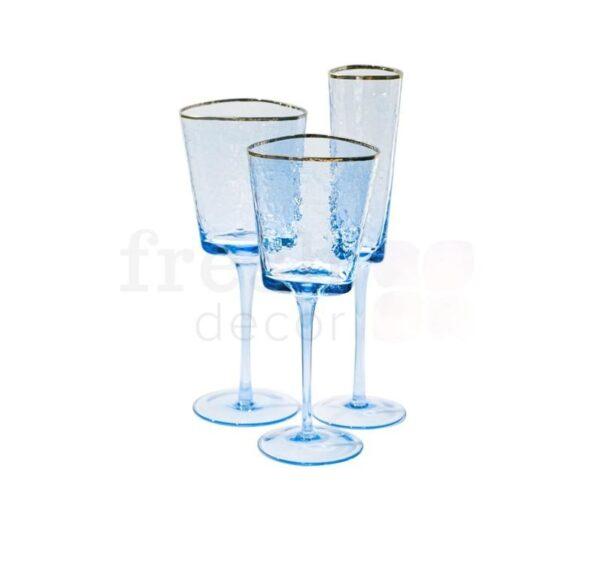 Nabor bokalov dlja shampanskogo krasnogo i belogo vina iz sinego stekla s zolotoj kajmoj