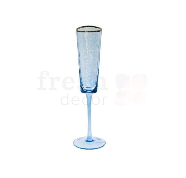 bokal iz sinego stekla dlja shampanskogo s zolotoj kajmoj