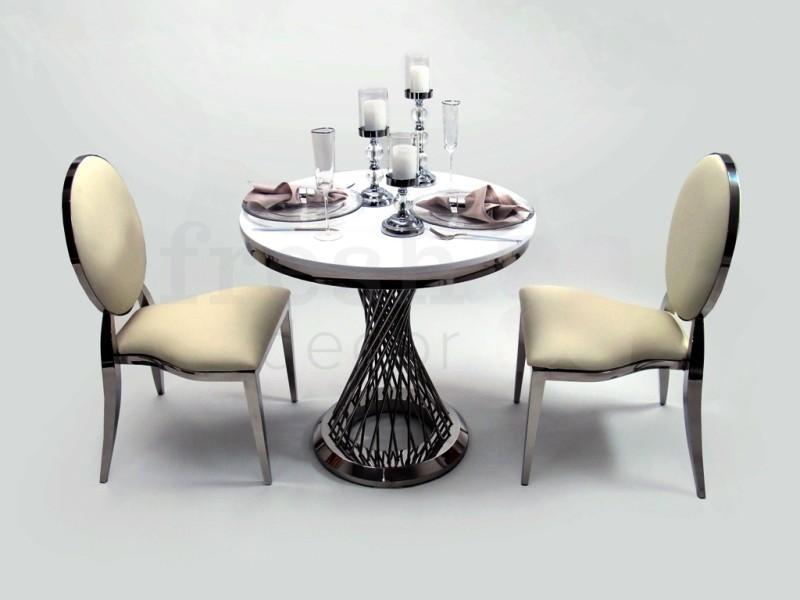 kruglyj stol i stulja v arendu iz nerzhavejushhego metalla