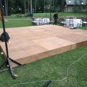 arenda sceny razmerom 6 na 6 metrov