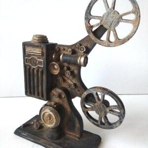 statujetka kinoproektor