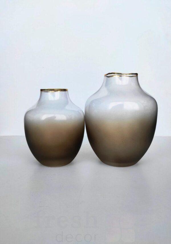 stekljannye vazy ovalnoj formy kremovogo cveta