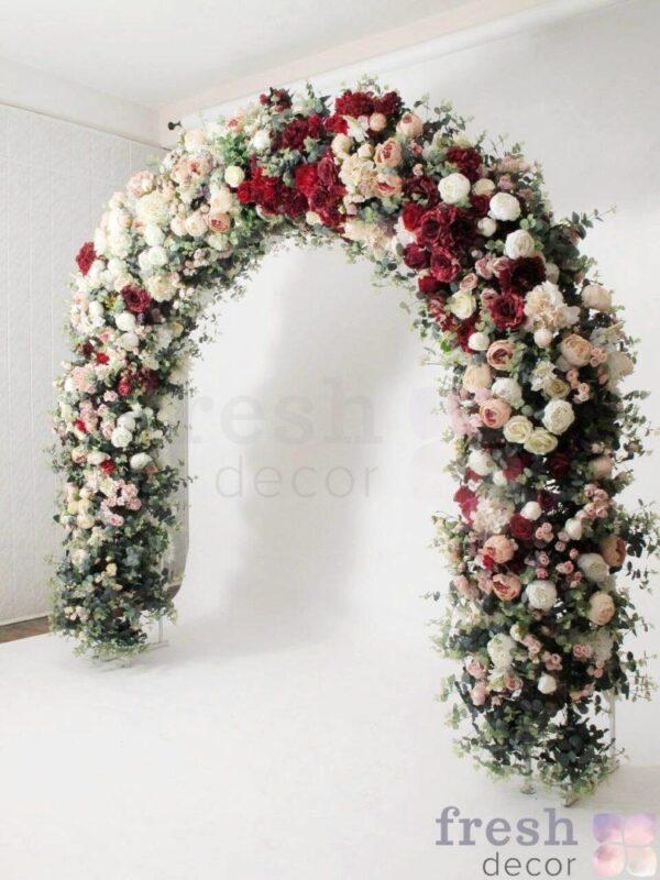 arka belo zelenaya shirokaya ovalnaya dlya svadby 1