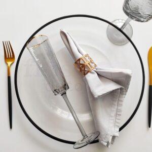 dizajnerskij nabor dlya servirovki stola s chernym kantom 1