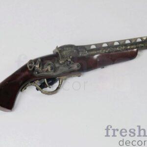 maket pistoleta dlya piratskoj i musheterskoj fotozony 1