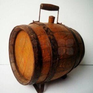 malenkij pivnoj retro bochenok iz duba 1