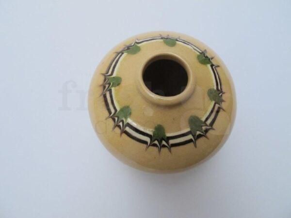 sosud v ukrainskom stile s rastitelnom uzorom 1